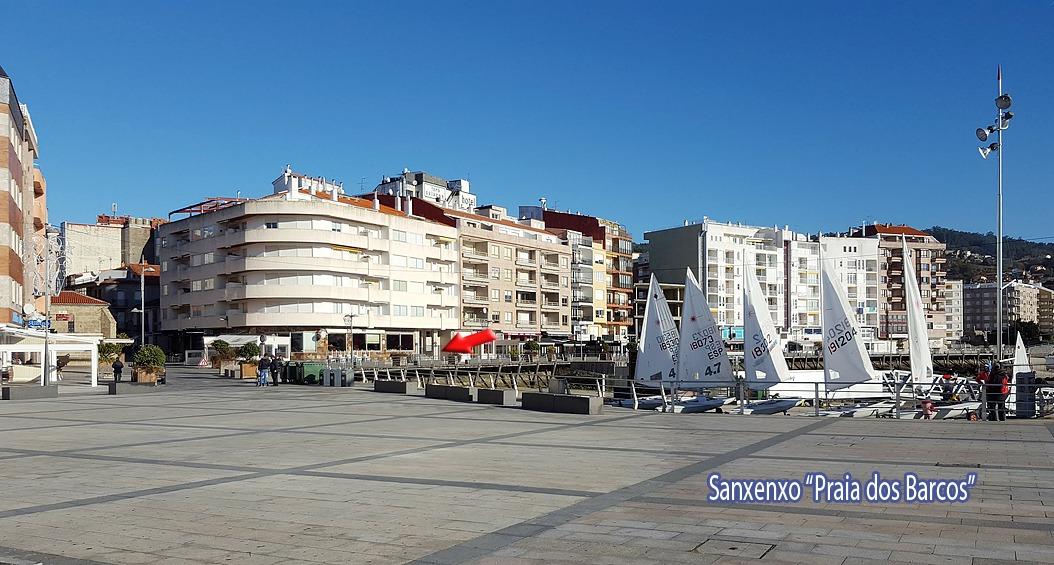 Plaza praia dos Barcos
